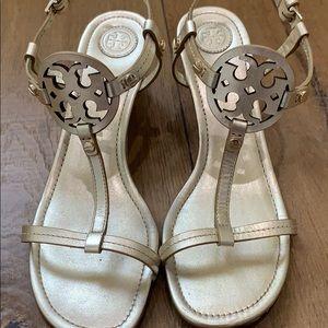 Tory Burch Miller Metallic wedge sandal sz 8.5